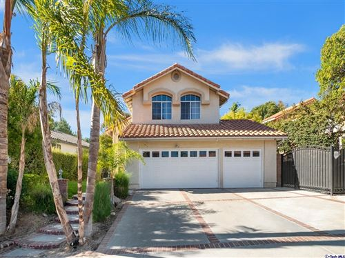 Photo of 28253 Rodgers Drive, Saugus, CA 91350 (MLS # 320007584)