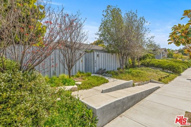 Photo for 2812 OVERLAND Avenue, Los Angeles, CA 90064 (MLS # 19509584)