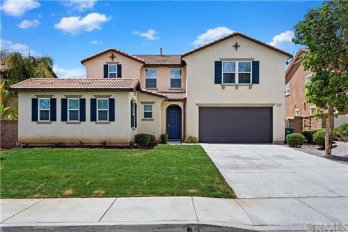 Photo of 37253 Sierra Grove Drive, Murrieta, CA 92563 (MLS # OC21097586)