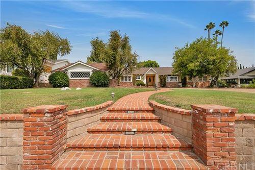 Photo of 17543 Donmetz Street, Granada Hills, CA 91344 (MLS # SR20189587)