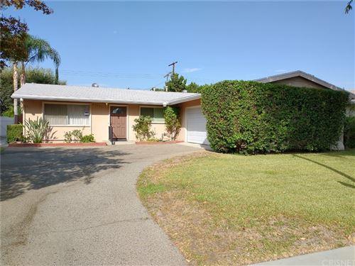 Photo of 23441 Schoolcraft Street, West Hills, CA 91307 (MLS # SR21212587)