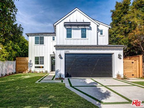 Photo of 11971 Darlington Avenue, Los Angeles, CA 90049 (MLS # 21691588)