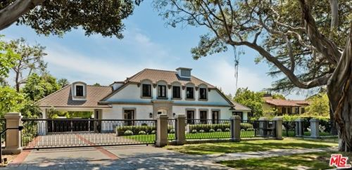 Photo of 908 N Rexford Drive, Beverly Hills, CA 90210 (MLS # 21752588)