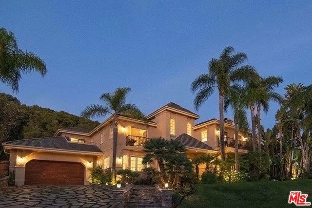 Photo of 16301 SHADOW MOUNTAIN Drive, Pacific Palisades, CA 90272 (MLS # 20577588)