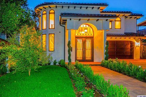 Photo of 1051 Palm Ave N, Burbank, CA 91501 (MLS # 320007589)