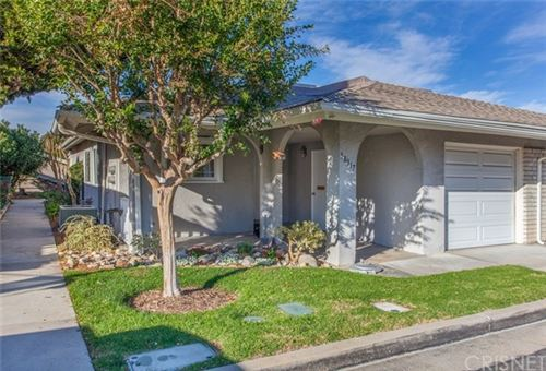 Photo of 18917 Circle Of Friends, Newhall, CA 91321 (MLS # SR20240591)