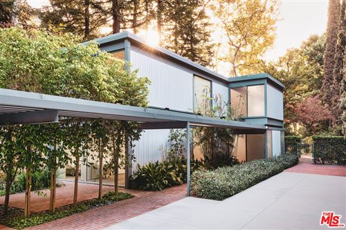 Photo of 2727 Mandeville Canyon Road, Los Angeles, CA 90049 (MLS # 21678592)