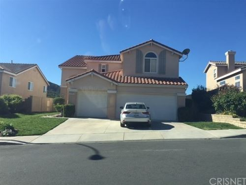 Photo of 21106 Oakleaf Canyon Drive, Newhall, CA 91321 (MLS # SR21019592)