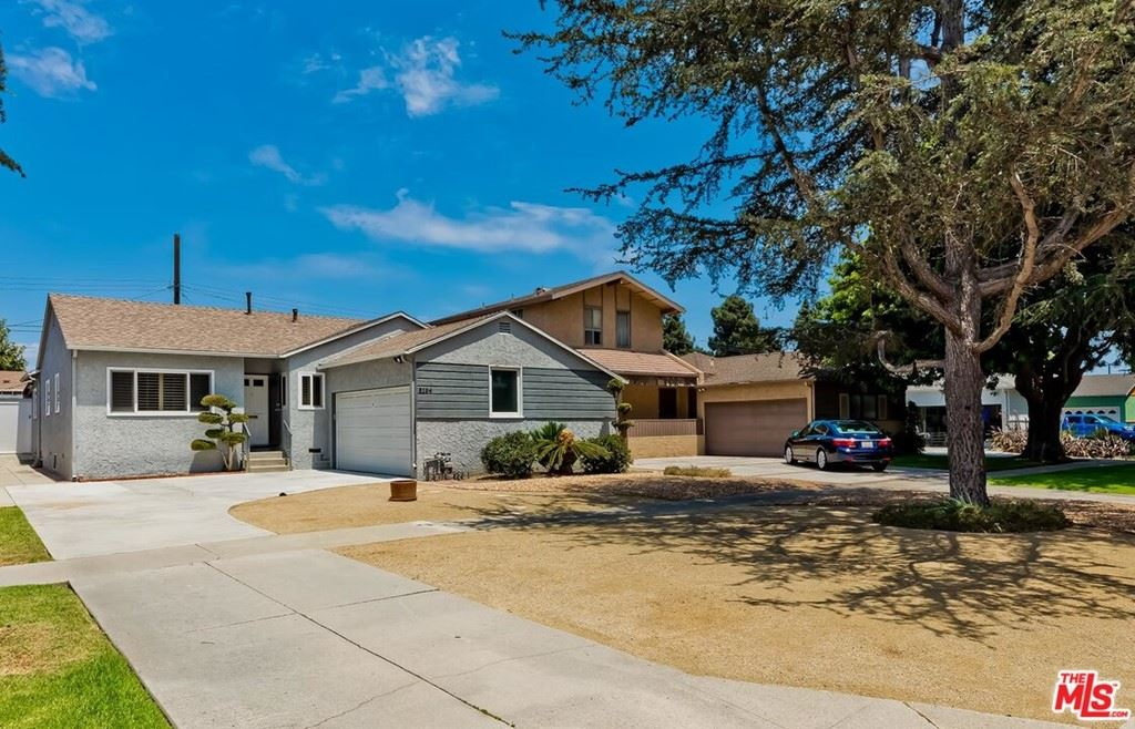 Photo of 5194 S Slauson Avenue, Culver City, CA 90230 (MLS # 21761592)