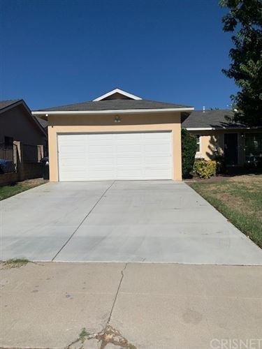 Photo of 7125 Cozycroft Avenue, Winnetka, CA 91306 (MLS # SR20182593)