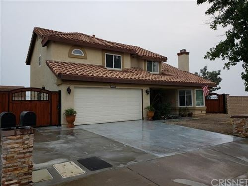 Photo of 20350 Huffy Street, Canyon Country, CA 91351 (MLS # SR20191593)