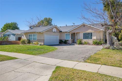 Photo of 10417 Rubio Avenue, Granada Hills, CA 91344 (MLS # SR21040593)