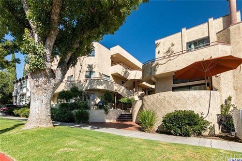 Photo of 620 E Angeleno Avenue #B, Burbank, CA 91501 (MLS # 320002594)
