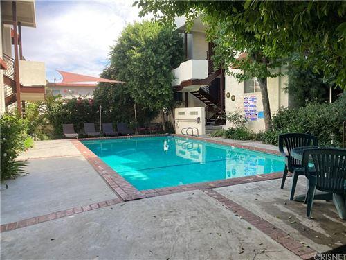 Photo of 5660 Yolanda Avenue #2, Tarzana, CA 91356 (MLS # SR21222594)