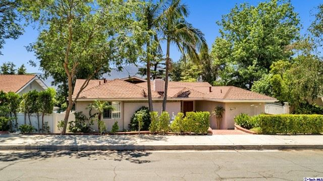 Photo of 3610 Los Amigos Street, Glendale, CA 91214 (MLS # 320006595)