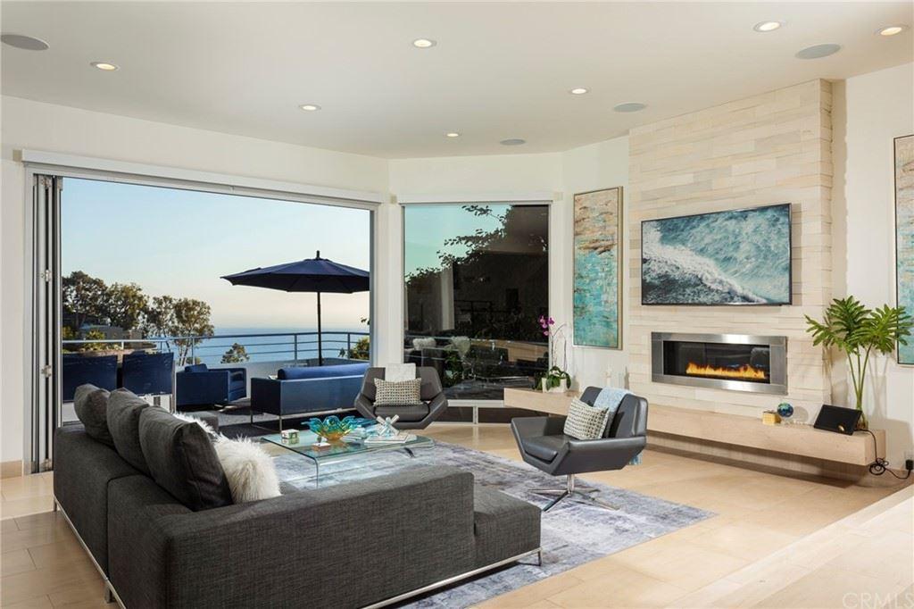 Photo of 913 Summit Way, Laguna Beach, CA 92651 (MLS # OC21150595)