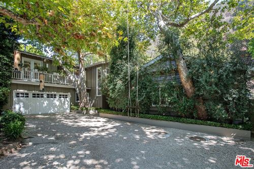 Photo of 3354 Mandeville Canyon Road, Los Angeles, CA 90049 (MLS # 21782596)