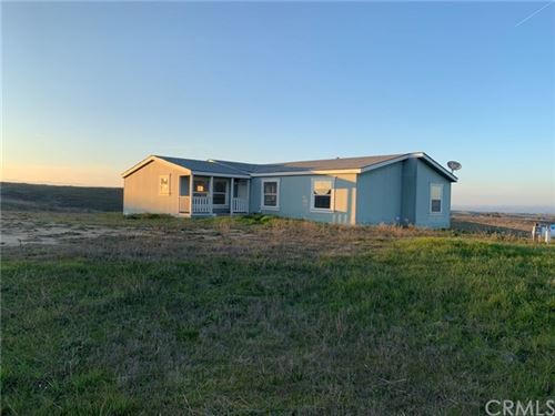 Photo of 4670 Rolling Hills Way, Paso Robles, CA 93446 (MLS # NS18090596)