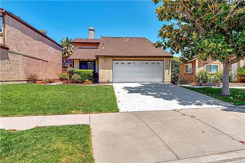 Photo of 2474 Orangewood Place, Simi Valley, CA 93065 (MLS # SR20120596)