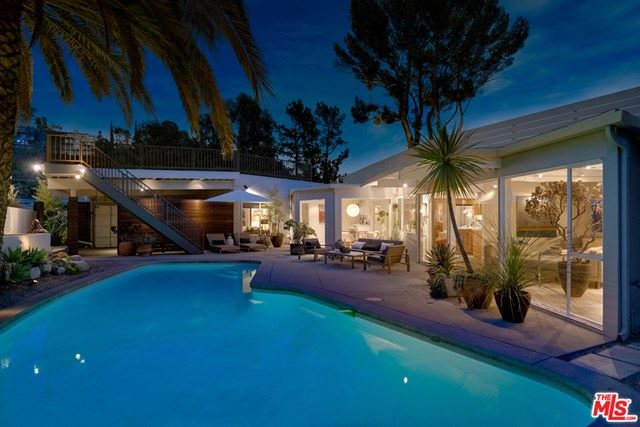 Photo of 8855 SKYLINE Drive, Los Angeles, CA 90046 (MLS # 20590596)