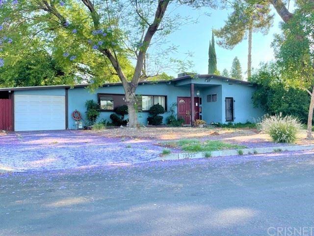 Photo for 19525 Ingomar Street, Winnetka, CA 91335 (MLS # SR21138596)