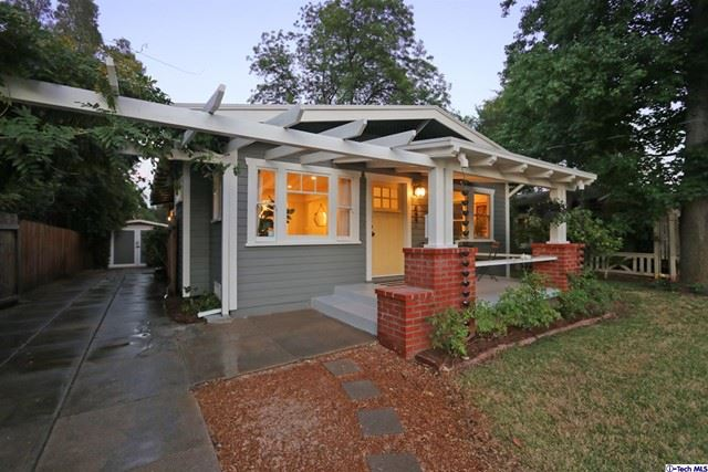 Photo of 844 N Catalina Avenue, Pasadena, CA 91104 (MLS # 320006597)