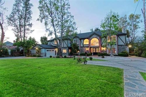 Photo of 23041 Hatteras Street, Woodland Hills, CA 91367 (MLS # SR21008598)