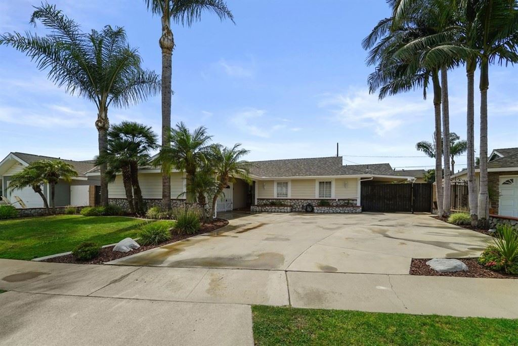 Photo of 16345 Spruce Street, Fountain Valley, CA 92708 (MLS # 537599)