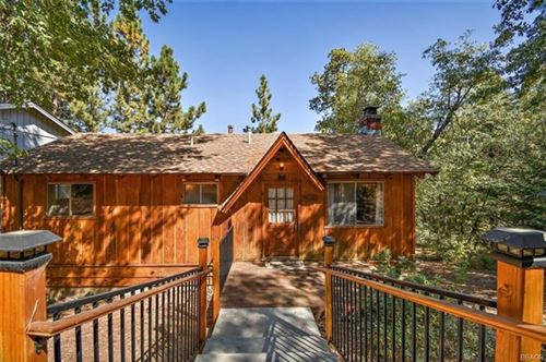 Photo of 860 Villa Grove, Big Bear, CA 92314 (MLS # 219050235DA)