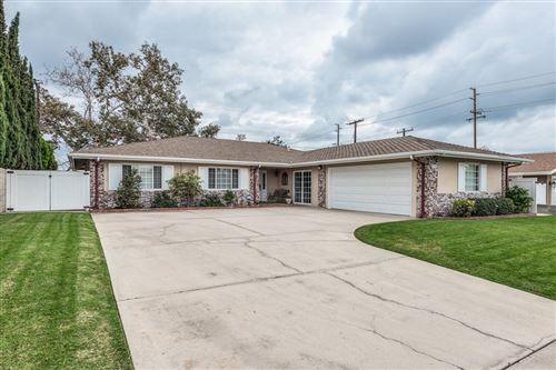 Photo of 926 E Rosewood Avenue, Orange, CA 92866 (MLS # 219068555DA)