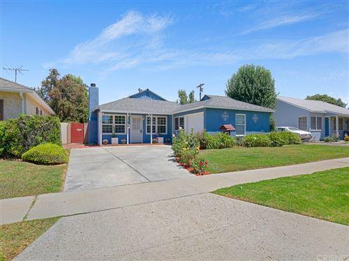 Photo of 17619 Lorne Street, Northridge, CA 91325 (MLS # SR21159600)