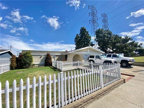 Photo of 19202 HICKORY Lane, Huntington Beach, CA 92646 (MLS # OC21041601)