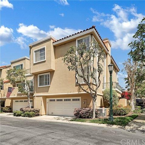 Photo of 19466 Mountainview Lane, Huntington Beach, CA 92648 (MLS # OC21074601)