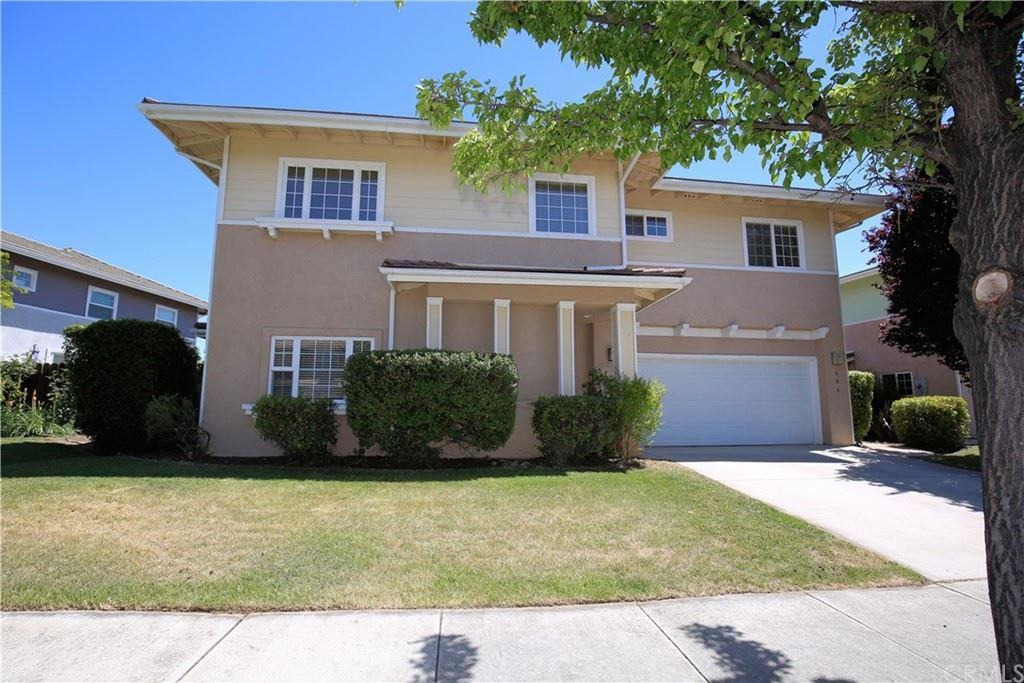 Photo of 604 Larkfield Place, Paso Robles, CA 93446 (MLS # NS21122601)