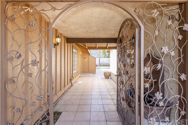 Photo of 7843 Babcock Avenue, North Hollywood, CA 91605 (MLS # SR21028601)