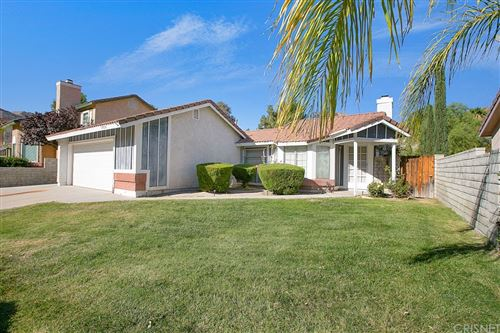 Photo of 29626 Poppy Meadow Street, Canyon Country, CA 91387 (MLS # SR21229602)