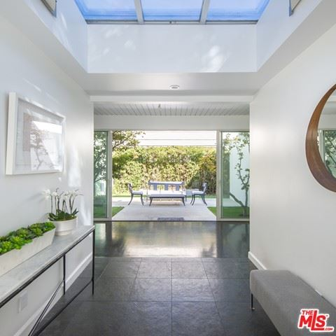 Photo of 1908 N Beverly Drive, Beverly Hills, CA 90210 (MLS # 21735602)