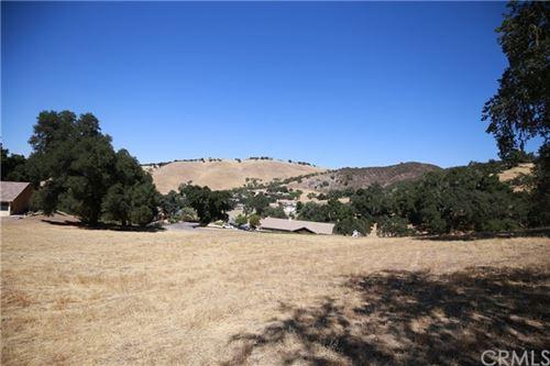 Photo of 9821 Steelhead Road, Paso Robles, CA 93446 (MLS # NS18215603)