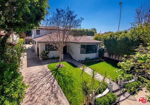 Photo of 136 S Vista Street, Los Angeles, CA 90036 (MLS # 21706604)