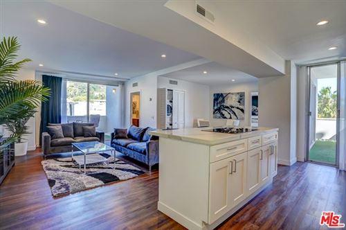 Photo of 7250 Franklin Avenue #501, Los Angeles, CA 90046 (MLS # 21712604)