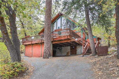Photo of 975 Knickerbocker Road, Big Bear, CA 92315 (MLS # EV21229604)
