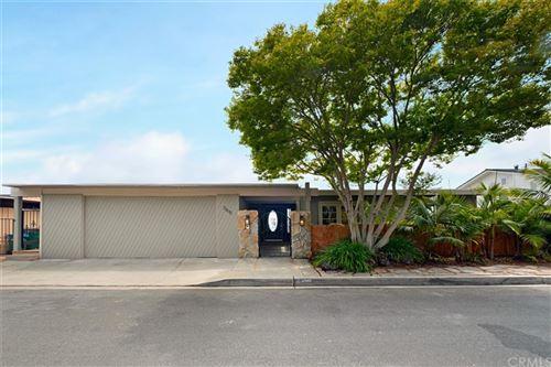 Photo of 365 Heather Place, Laguna Beach, CA 92651 (MLS # OC21164605)
