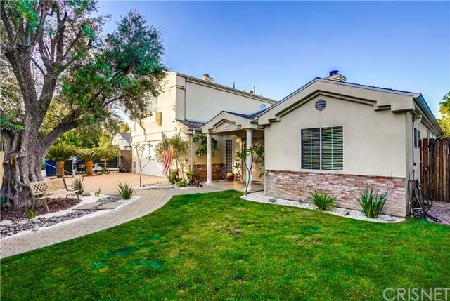 Photo of 6020 Rhodes Avenue, Valley Glen, CA 91606 (MLS # SR21115605)