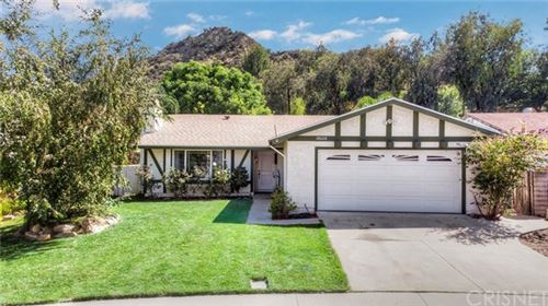 Photo of 28028 Gold Hill Drive, Castaic, CA 91384 (MLS # SR20147606)