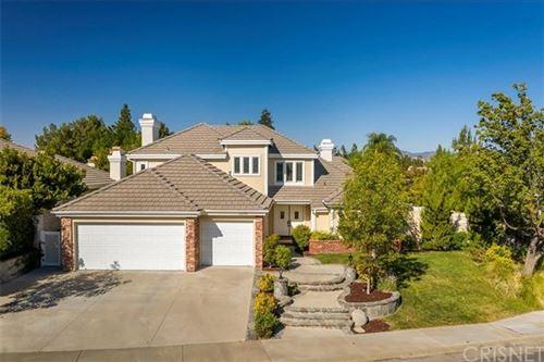 Photo of 26215 Park View Road, Valencia, CA 91355 (MLS # SR20216607)