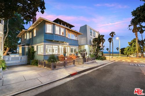 Photo of 122 Wadsworth Avenue, Santa Monica, CA 90405 (MLS # 21772608)