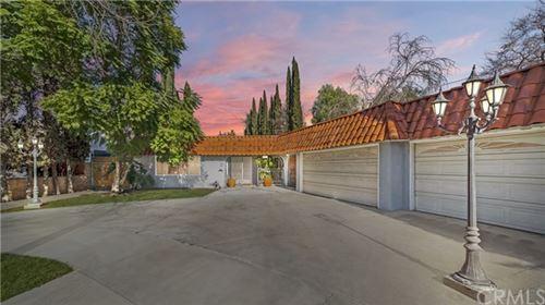 Photo of 12001 Emelita Street, Valley Village, CA 91607 (MLS # CV21005608)