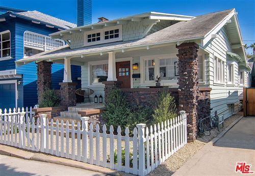 Photo of 156 Fraser Avenue, Santa Monica, CA 90405 (MLS # 21781610)