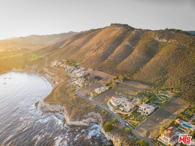 Photo of 82 BLUFF Drive, Pismo Beach, CA 93449 (MLS # 20551610)