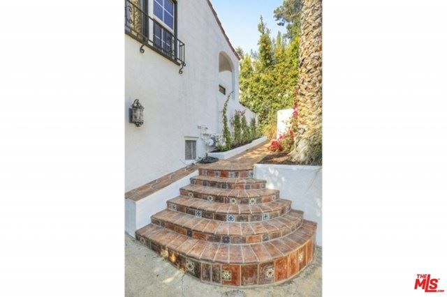 Photo of 2121 Princeton Avenue, Los Angeles, CA 90026 (MLS # 20648610)